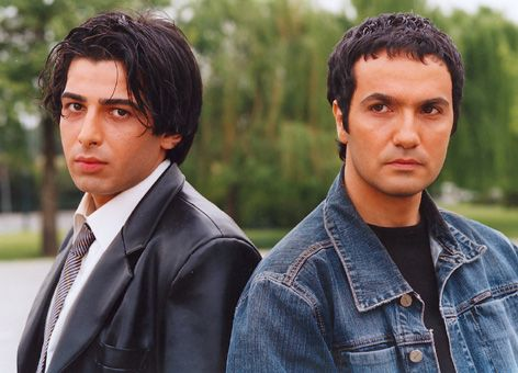 نمای سوم فیلم Bazande با حضور محمدرضا فروتن و حمید گودرزی