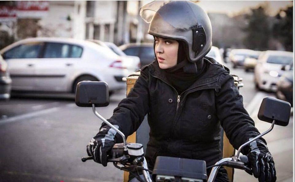 نمای دوازدهم فیلم آذر میهن ویدیو