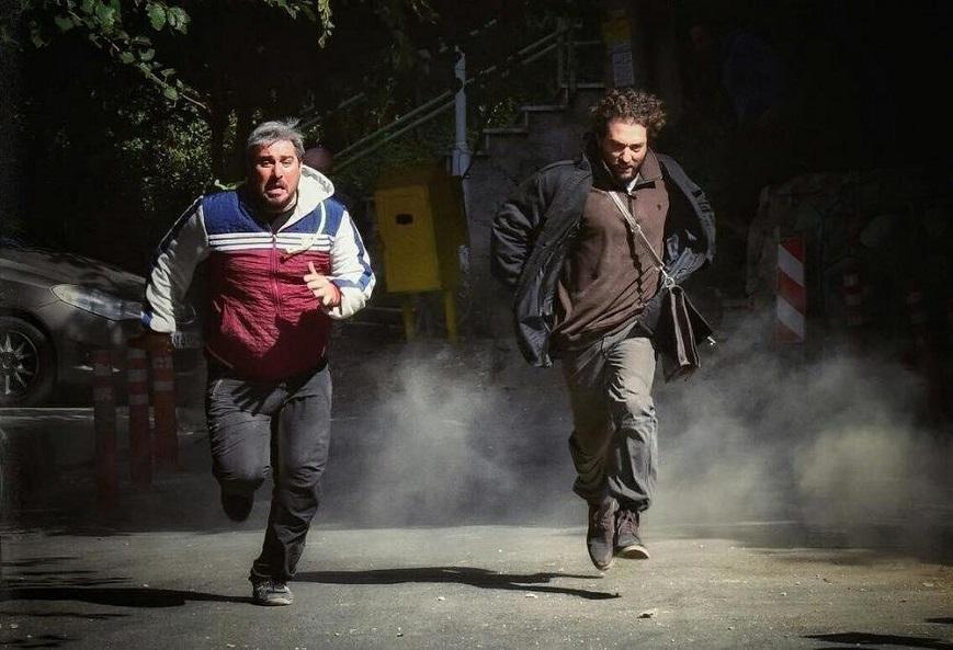 نمای سوم فیلم با حضور بهرام رادان، محسن کیایی