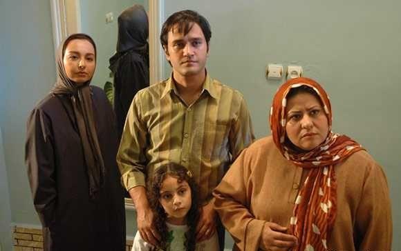 نمای دوم فیلم با حضور ماهایا پطروسیان، رابعه اسکویی و رامبد جوان